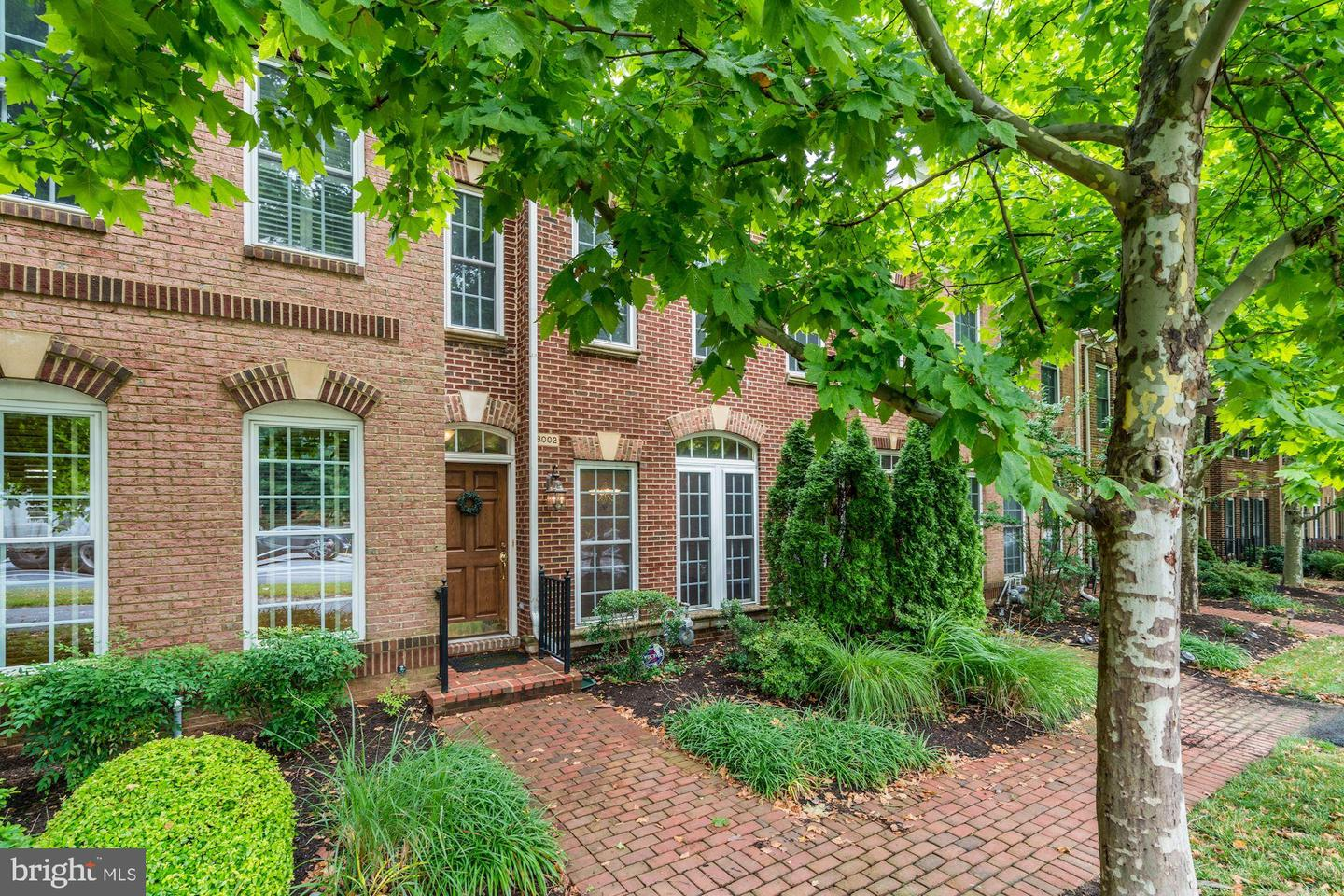 Single Family for Sale at 8002 Reserve Way 8002 Reserve Way Vienna, Virginia 22182 United States