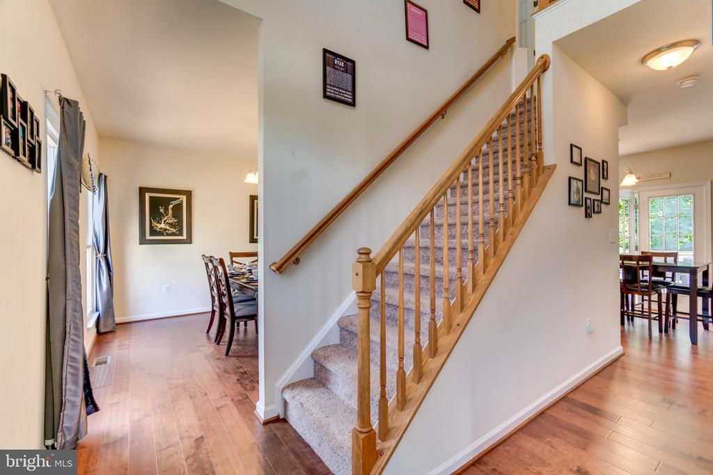 Main Entry with Two Story Foyer - 7 BEECH TREE CT, STAFFORD