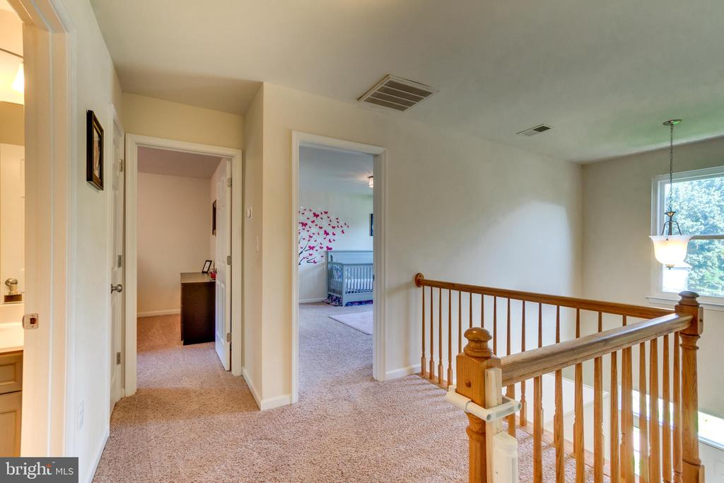 Upstairs Balcony overlooking the Two Story Foyer - 7 BEECH TREE CT, STAFFORD
