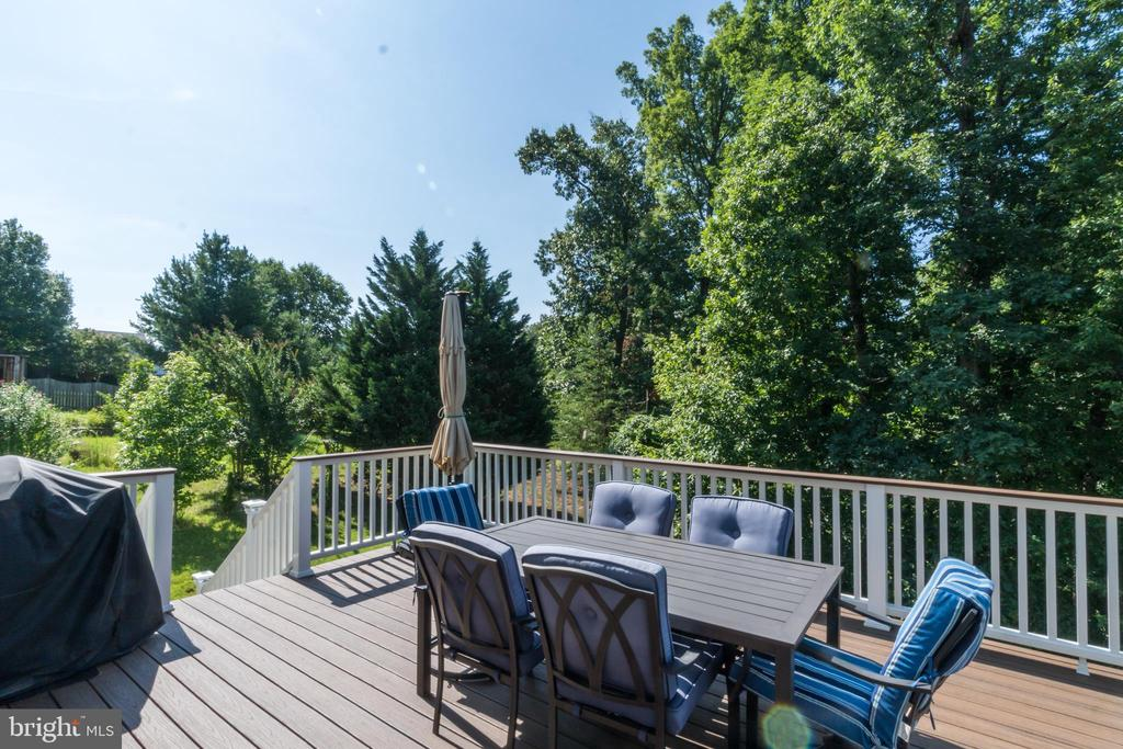 NEW TREX Deck built in 2018 - 7 BEECH TREE CT, STAFFORD