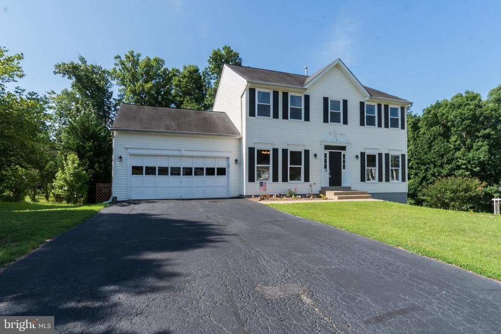 2 Car Garage and Asphalt Driveway - 7 BEECH TREE CT, STAFFORD
