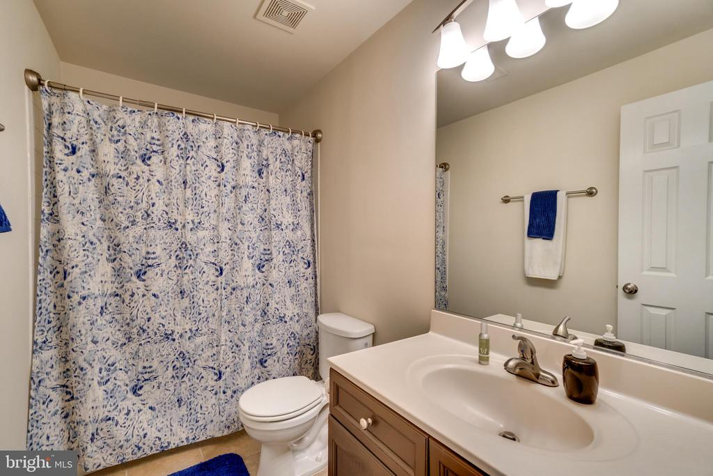 Bathroom 3 - 7 BEECH TREE CT, STAFFORD