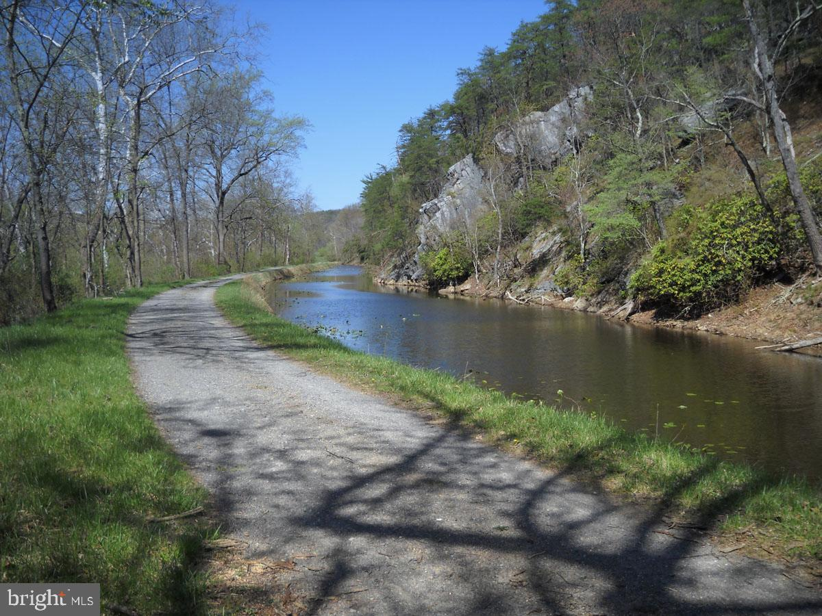 Additional photo for property listing at  Cabin John, Maryland 20818 United States