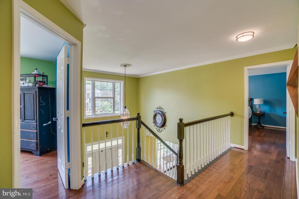 Two Story Foyer with hardwood floors - 8319 SUFFOLK WAY, GAINESVILLE