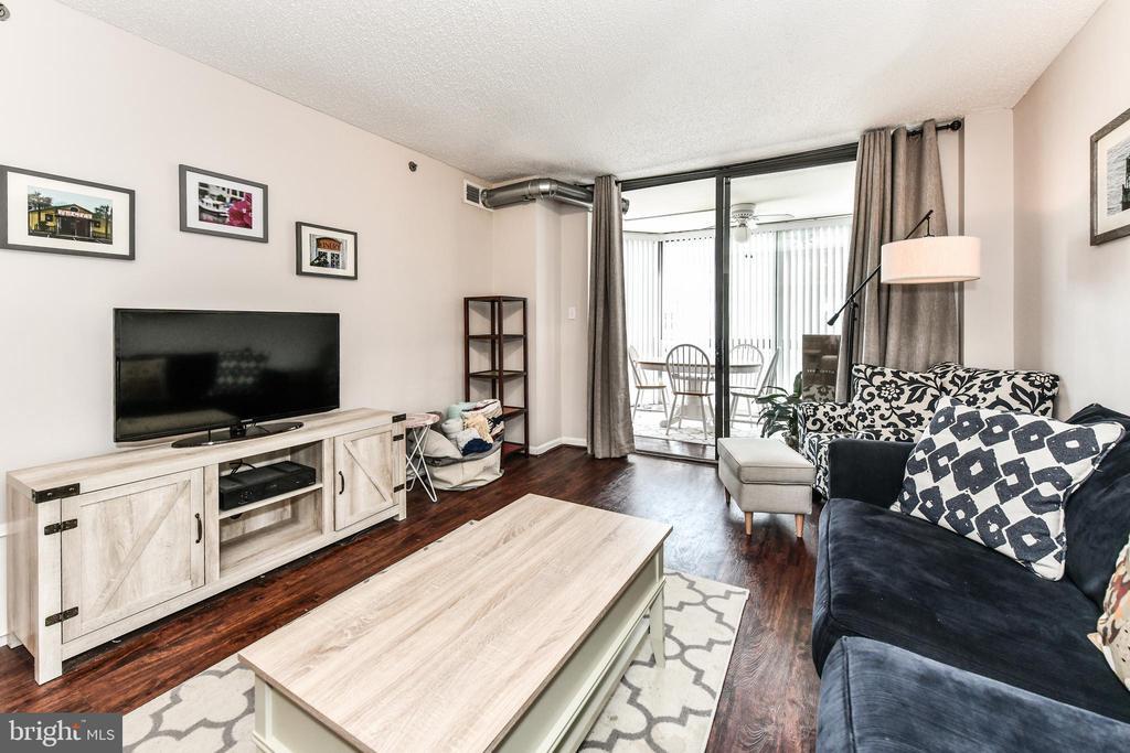 Living room - 1024 N UTAH ST #619, ARLINGTON