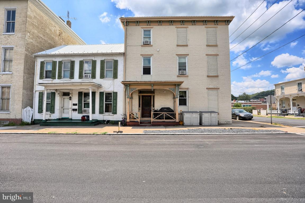 Quadraplex για την Πώληση στο Newport, Πενσιλβανια 17074 Ηνωμένες Πολιτείες