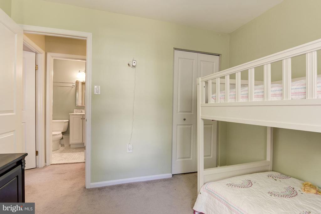 Second Bedroom Great room for Bunk Beds - 5720 CROWNLEIGH CT, BURKE