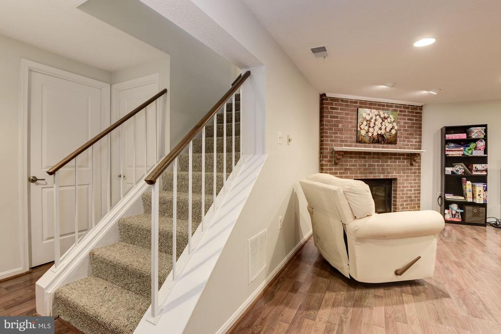 Stairs to Downstairs Family Room - 5720 CROWNLEIGH CT, BURKE