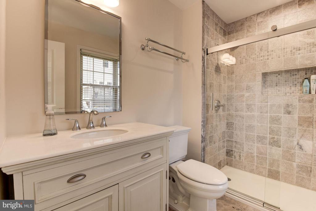 Master Bath with Tiled Shower - 5720 CROWNLEIGH CT, BURKE