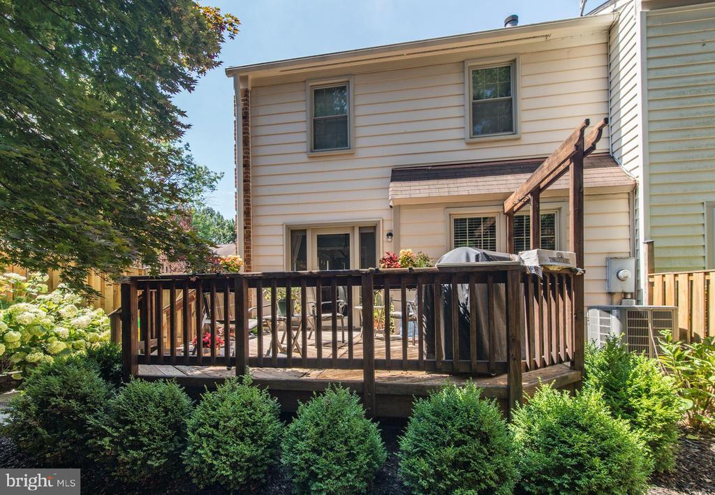 Lovely View of Deck and Back of House - 5720 CROWNLEIGH CT, BURKE