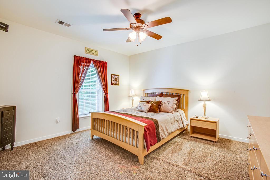 Bedroom 5 - 60 MAIDENHAIR WAY, STAFFORD
