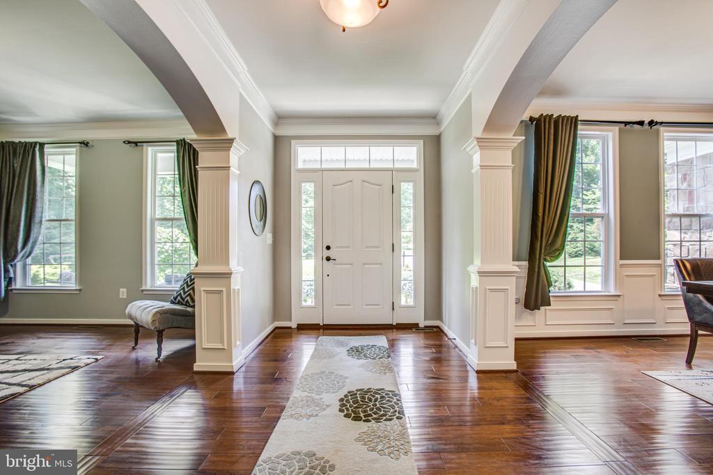 Foyer with Custom Moldings - 60 MAIDENHAIR WAY, STAFFORD