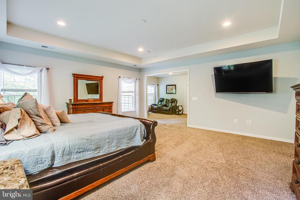 Master Suite looking into sitting room - 60 MAIDENHAIR WAY, STAFFORD