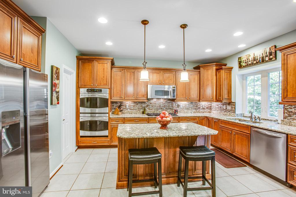 Lots of counter space and island - 60 MAIDENHAIR WAY, STAFFORD