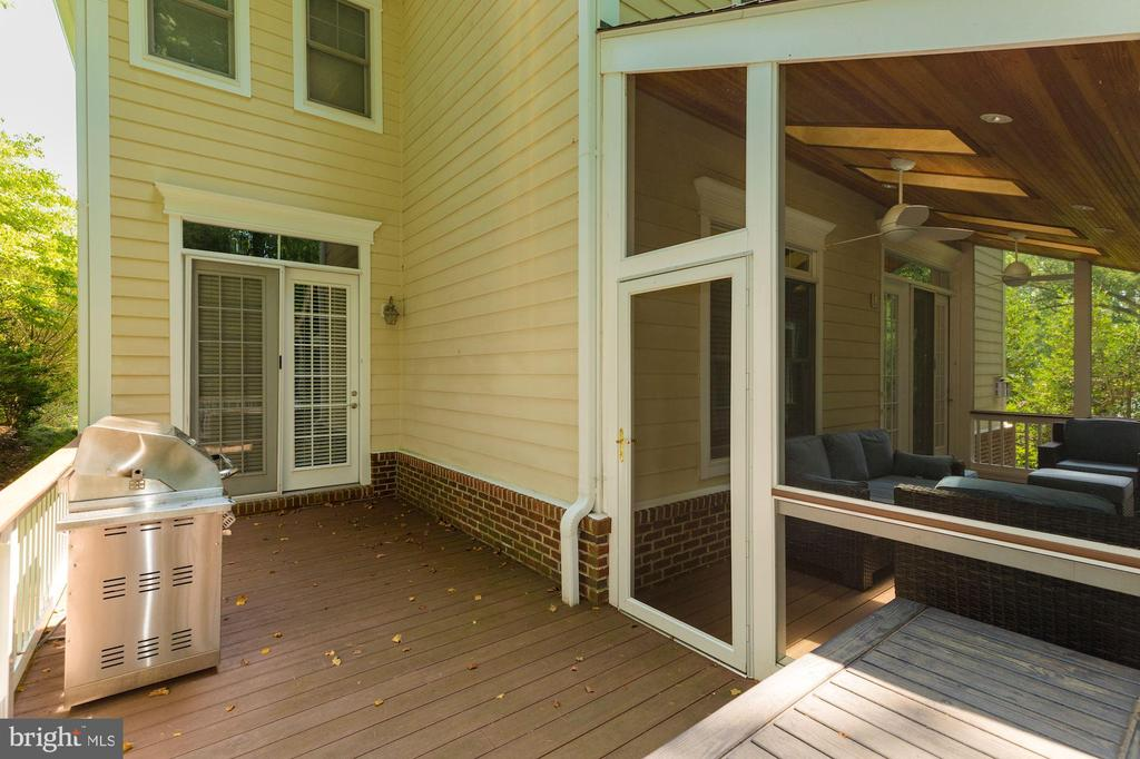 Backyard Deck - 3406 N DICKERSON ST, ARLINGTON