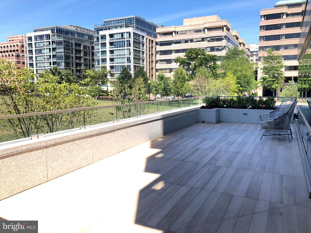Private Terrace - 2501 M ST NW #T10, WASHINGTON