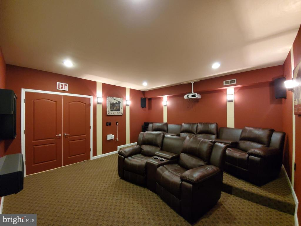 Please silence your phones now. Or not! Lights out - 41882 SCOTCHBRIDGE PL, ASHBURN