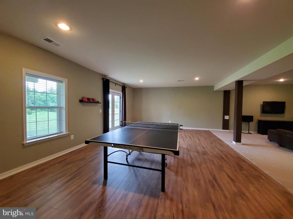 Room for a pool table.  No wall interference! - 41882 SCOTCHBRIDGE PL, ASHBURN