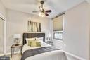 Bright spacious bedroom - 888 N QUINCY ST #210, ARLINGTON