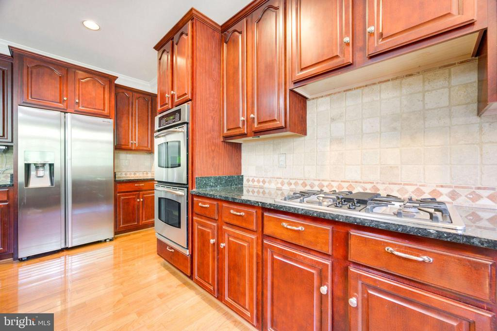 Kitchen - 12100 WALNUT BRANCH RD, RESTON