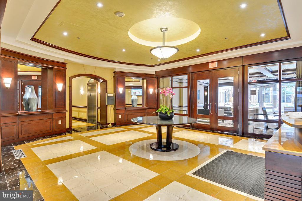 24-hour concierge and lobby - 888 N QUINCY ST #210, ARLINGTON
