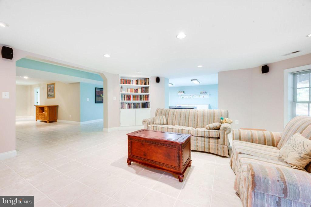Family Room - 12100 WALNUT BRANCH RD, RESTON