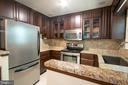 Kitchen - granite counter tops - stainless steel - 329 BRAEHEAD DR, FREDERICKSBURG