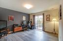 Huge room on entry level with SGD to private yard - 6922 LITTLE FALLS RD #6922, ARLINGTON