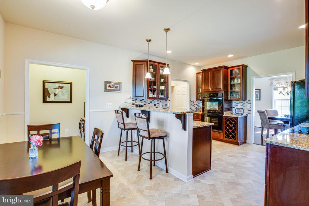 Kitchen w/granite, back splash and ss appliances - 6917 CLOUDY WAY, SPOTSYLVANIA