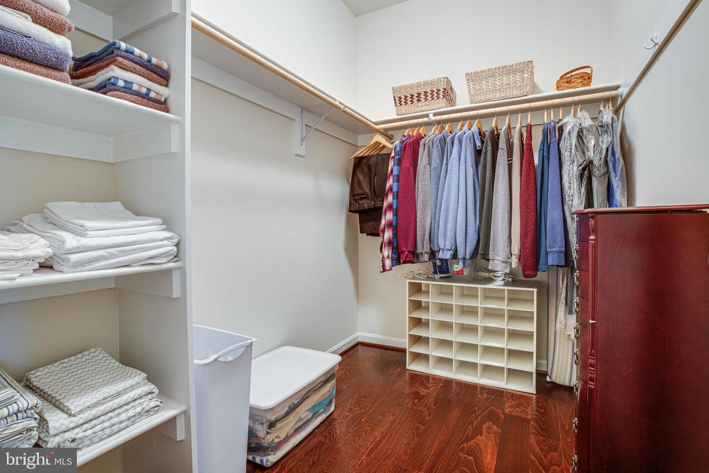 Master Bedroom Walk in closet - 6917 CLOUDY WAY, SPOTSYLVANIA