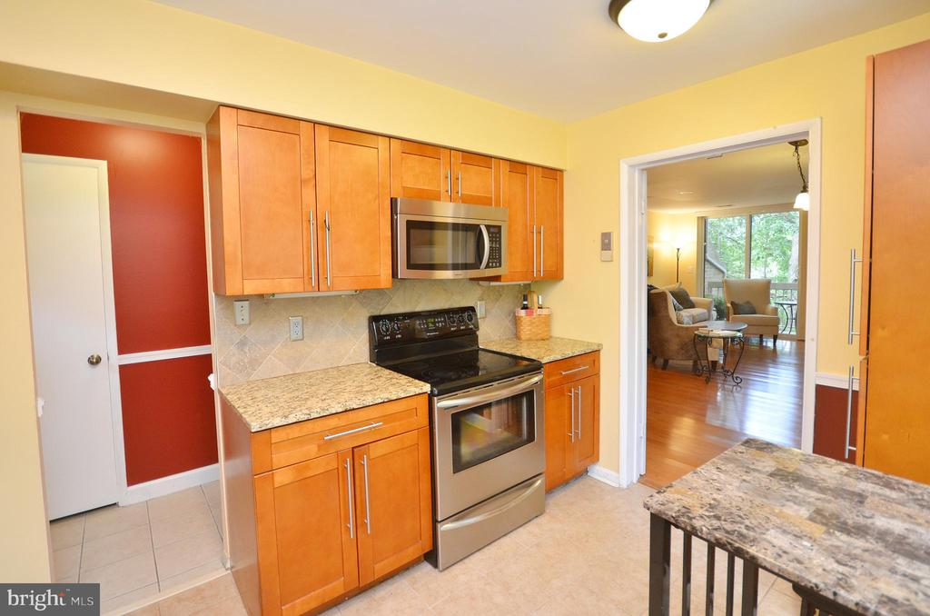 Stainless Steel Appliances - 11214 BEAVER TRAIL CT #12, RESTON