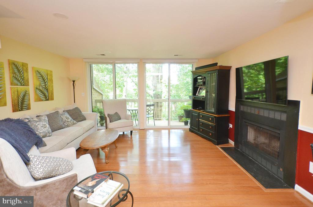 Open Living Room w/ New Double Sliding Doors - 11214 BEAVER TRAIL CT #12, RESTON