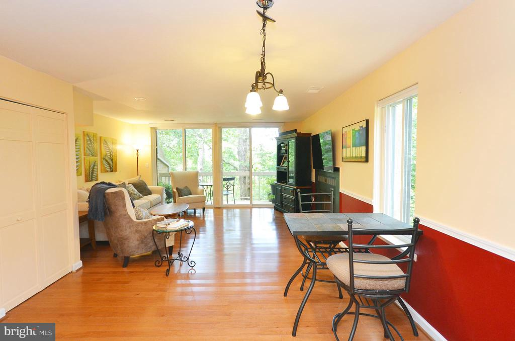 Dining Room  with Hardwood Floors - 11214 BEAVER TRAIL CT #12, RESTON