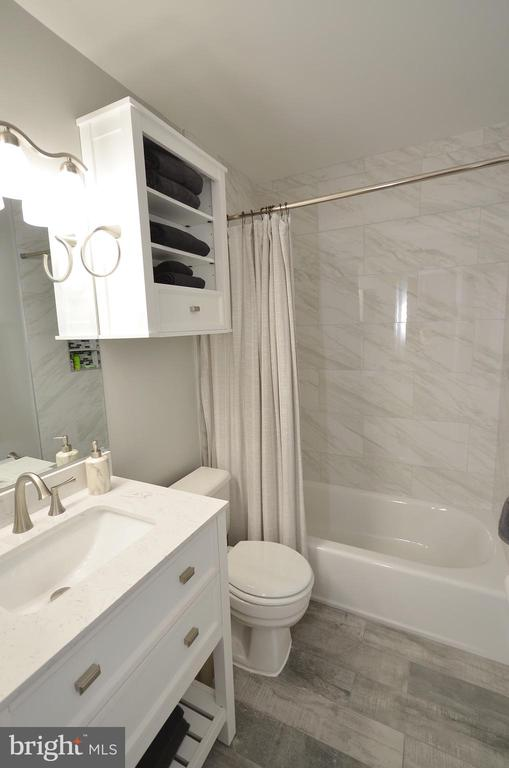 Remodeled Secondary Bathroom - 11214 BEAVER TRAIL CT #12, RESTON