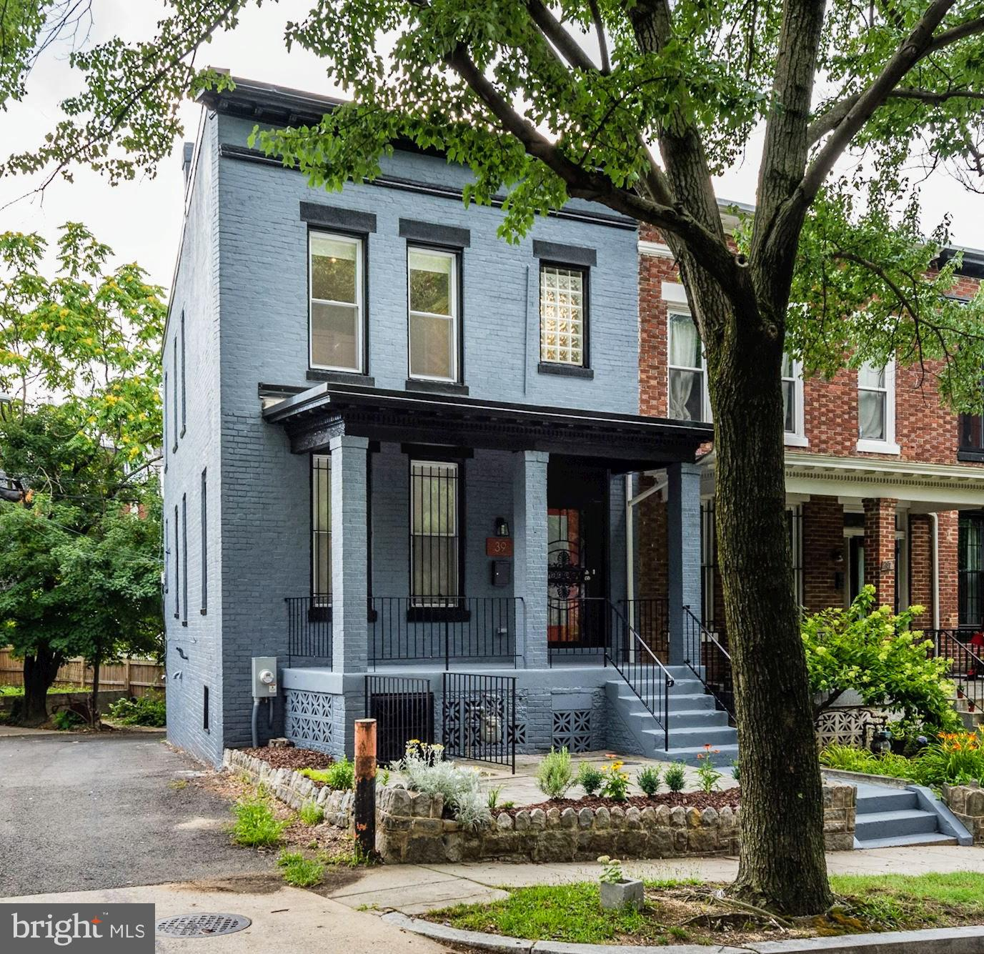 Single Family for Sale at 39 V St NE Washington, District Of Columbia 20002 United States