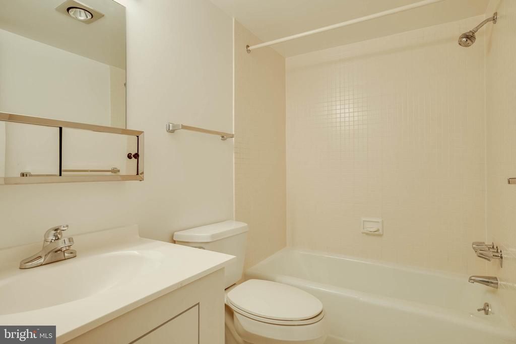 Second Bathroom - 4620 N PARK AVE #1109E, CHEVY CHASE