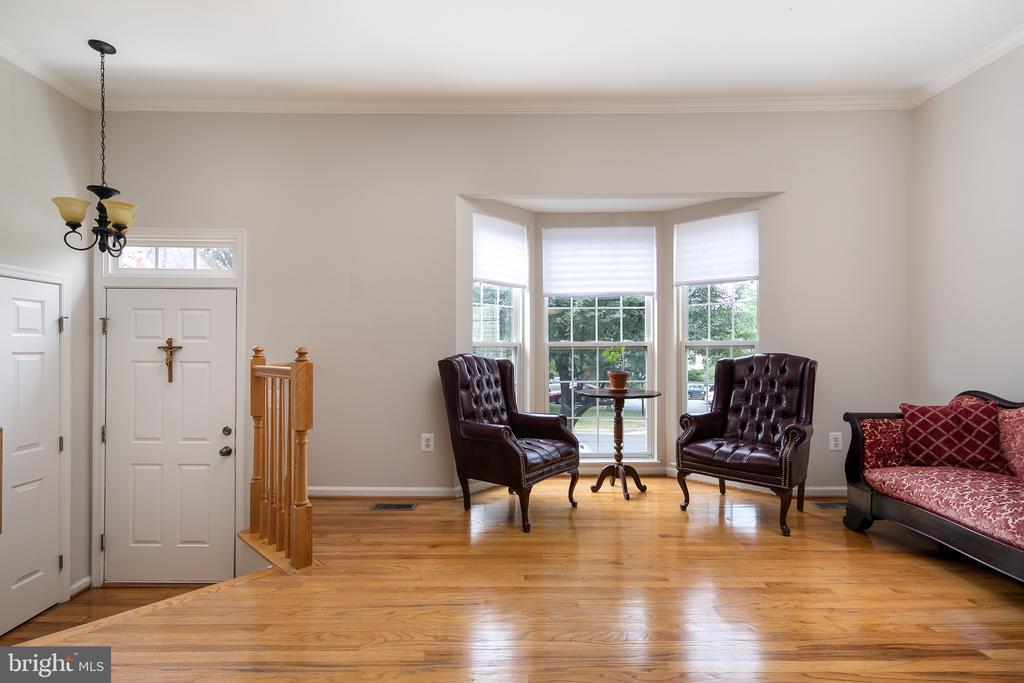 Living Room - 43190 CENTER ST, CHANTILLY