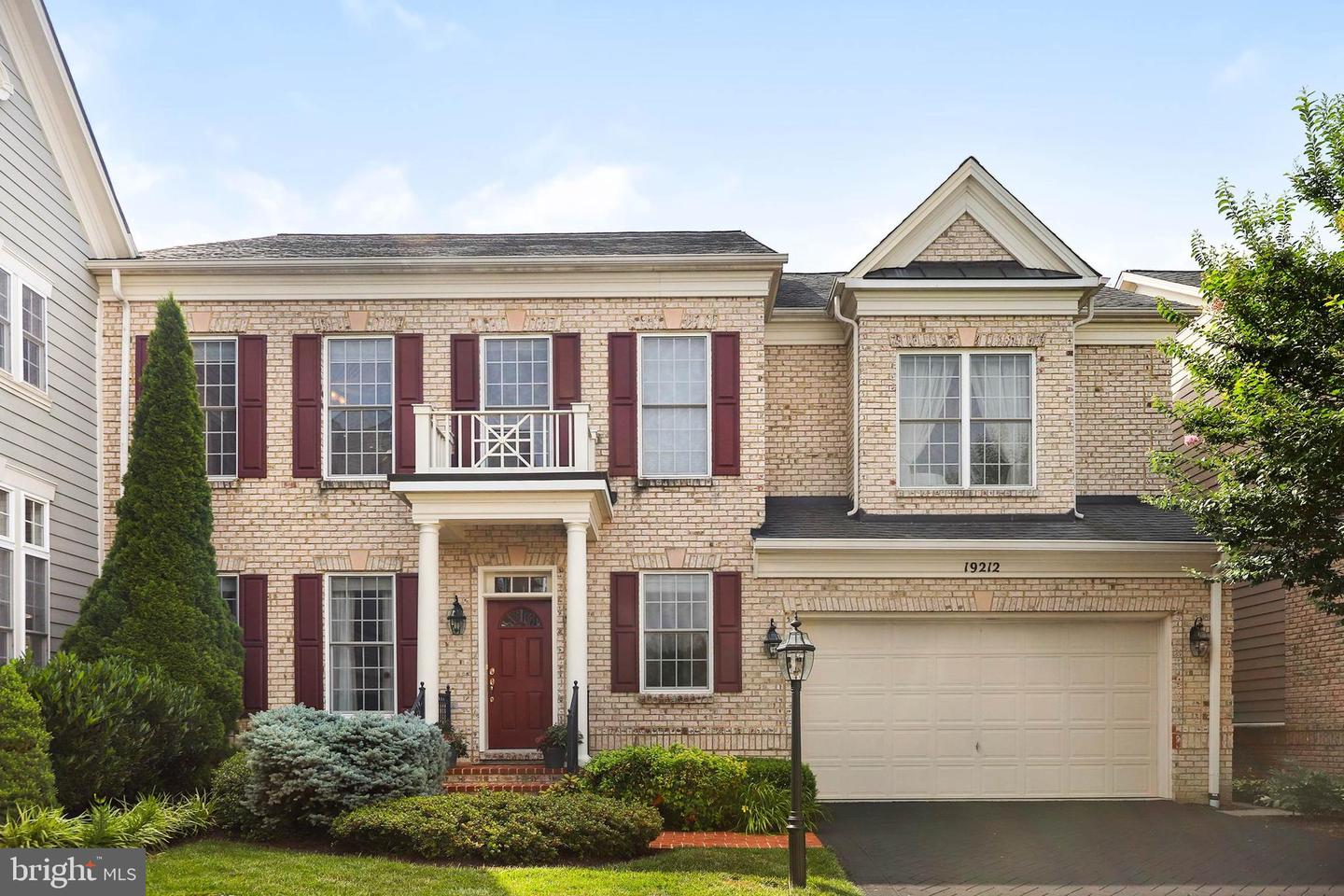 Single Family for Sale at 19212 Skinner Sq Leesburg, Virginia 20176 United States