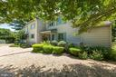 Extensive landscaping/hardscaping - 23009 COBB HOUSE RD, MIDDLEBURG