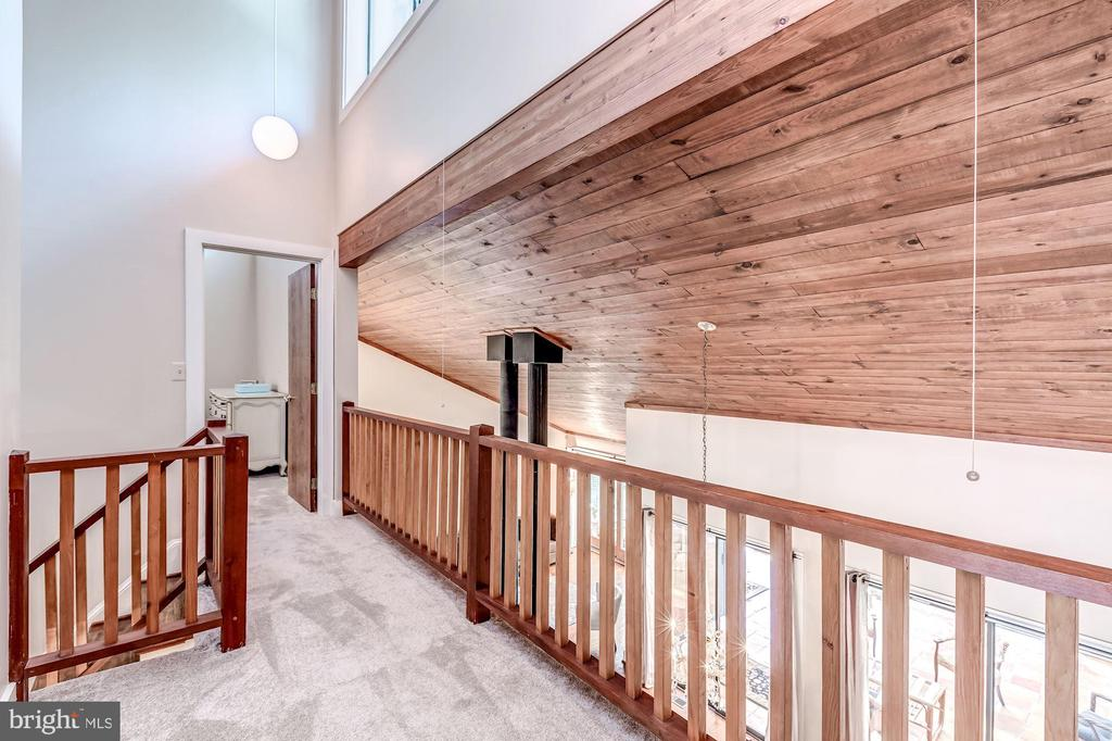 Balcony on second floor - 23009 COBB HOUSE RD, MIDDLEBURG
