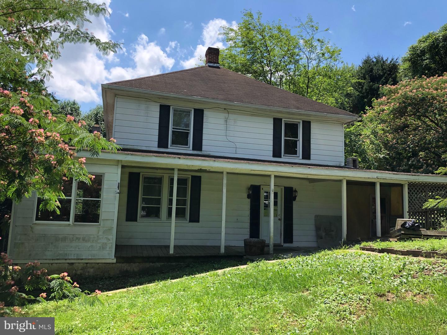 Single Family for Sale at 455 Wilkes St Berkeley Springs, West Virginia 25411 United States