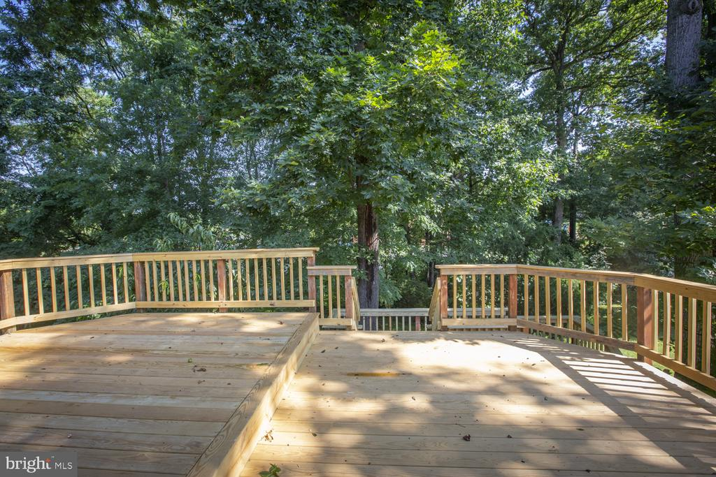 Private backyard - 9226 DELLWOOD DR, VIENNA