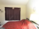 Master bedroom is perfect for rest & relaxation! - 305 FALKIRK CT, FREDERICKSBURG