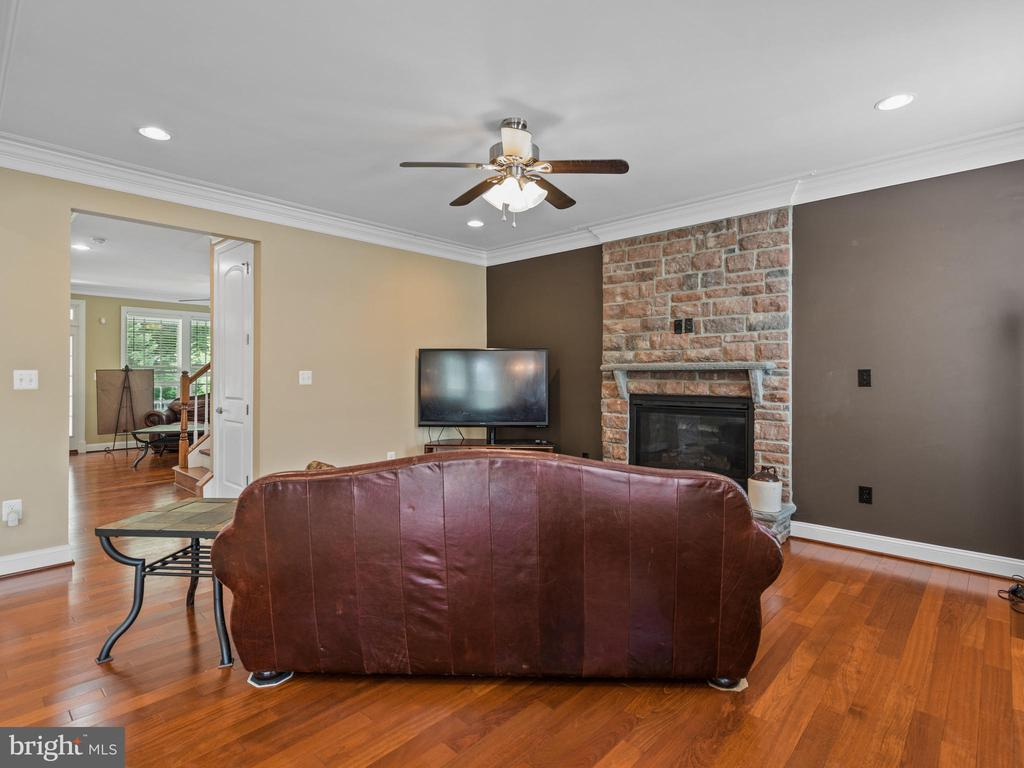 Family Room - 3988 ORANGE ST, TRIANGLE