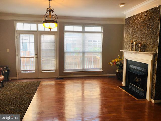 Main Level Living Room 2 - 144 MARTIN LN, ALEXANDRIA