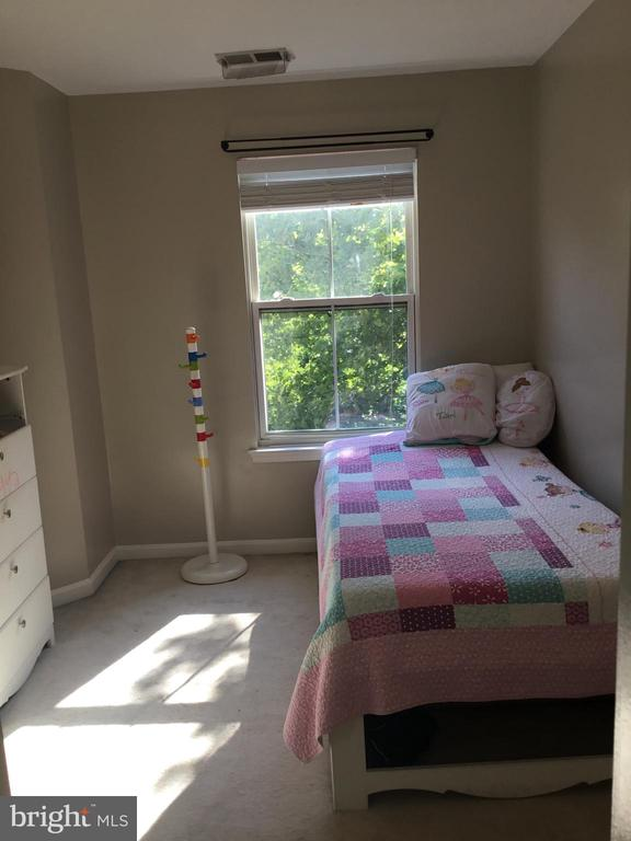 Third Bedroom - 144 MARTIN LN, ALEXANDRIA