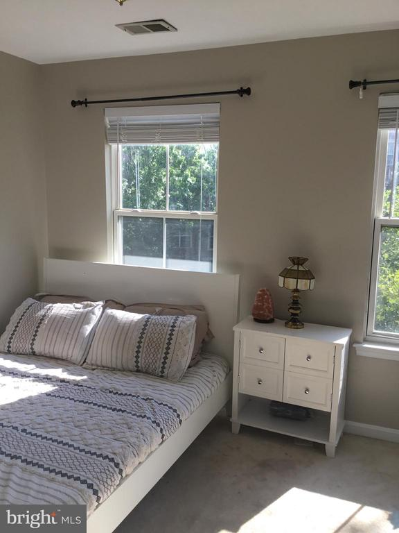 Second Bedroom - 144 MARTIN LN, ALEXANDRIA