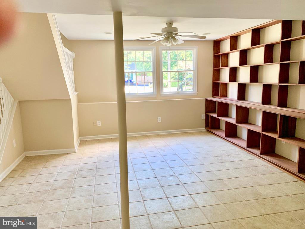 Lower Level - 3 GOVERNORS DR SW, LEESBURG