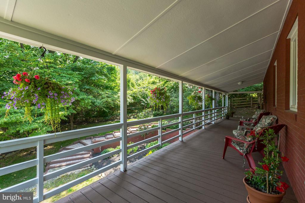 Inviting Covered Front Porch - 17787 DRY MILL RD, LEESBURG