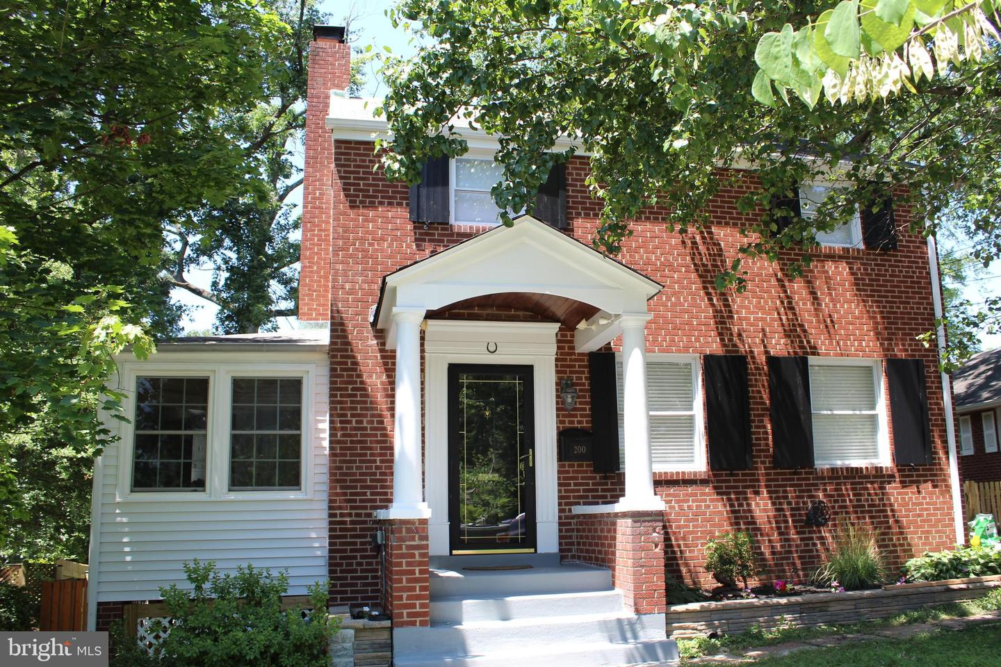 Single Family for Sale at 200 N Cleveland St Arlington, Virginia 22201 United States